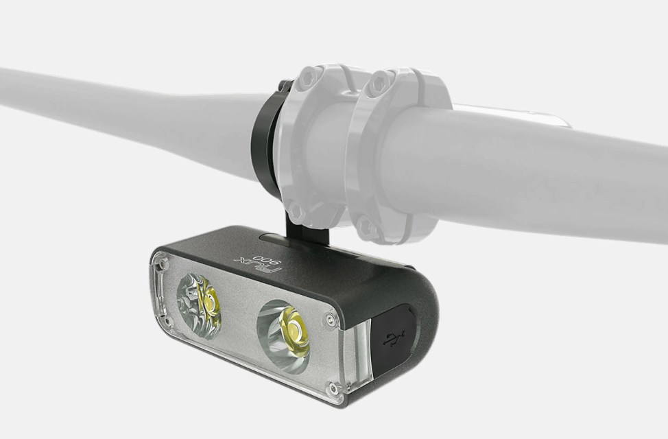 Flux™ 900 Headlight | Specialized
